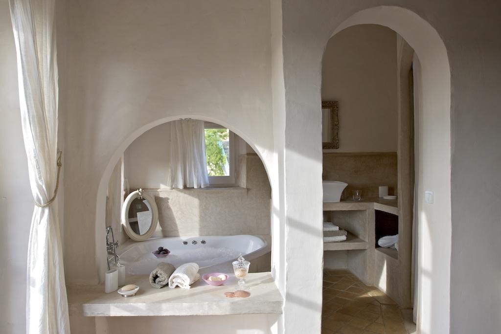Chambre 6 bedroom 6 le mas de foussargues - Chambre avec douche italienne ...