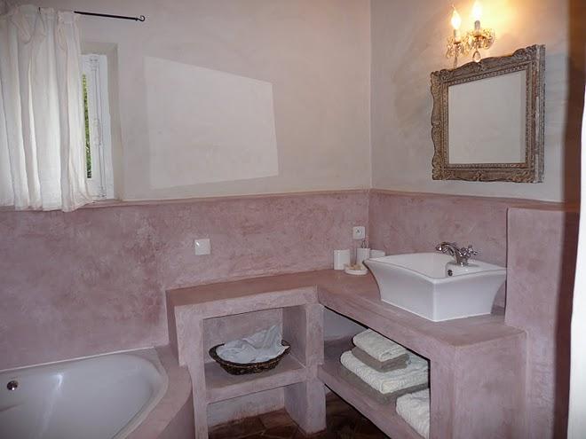 Chambre 2 le mas de foussargues for Chambre avec douche italienne